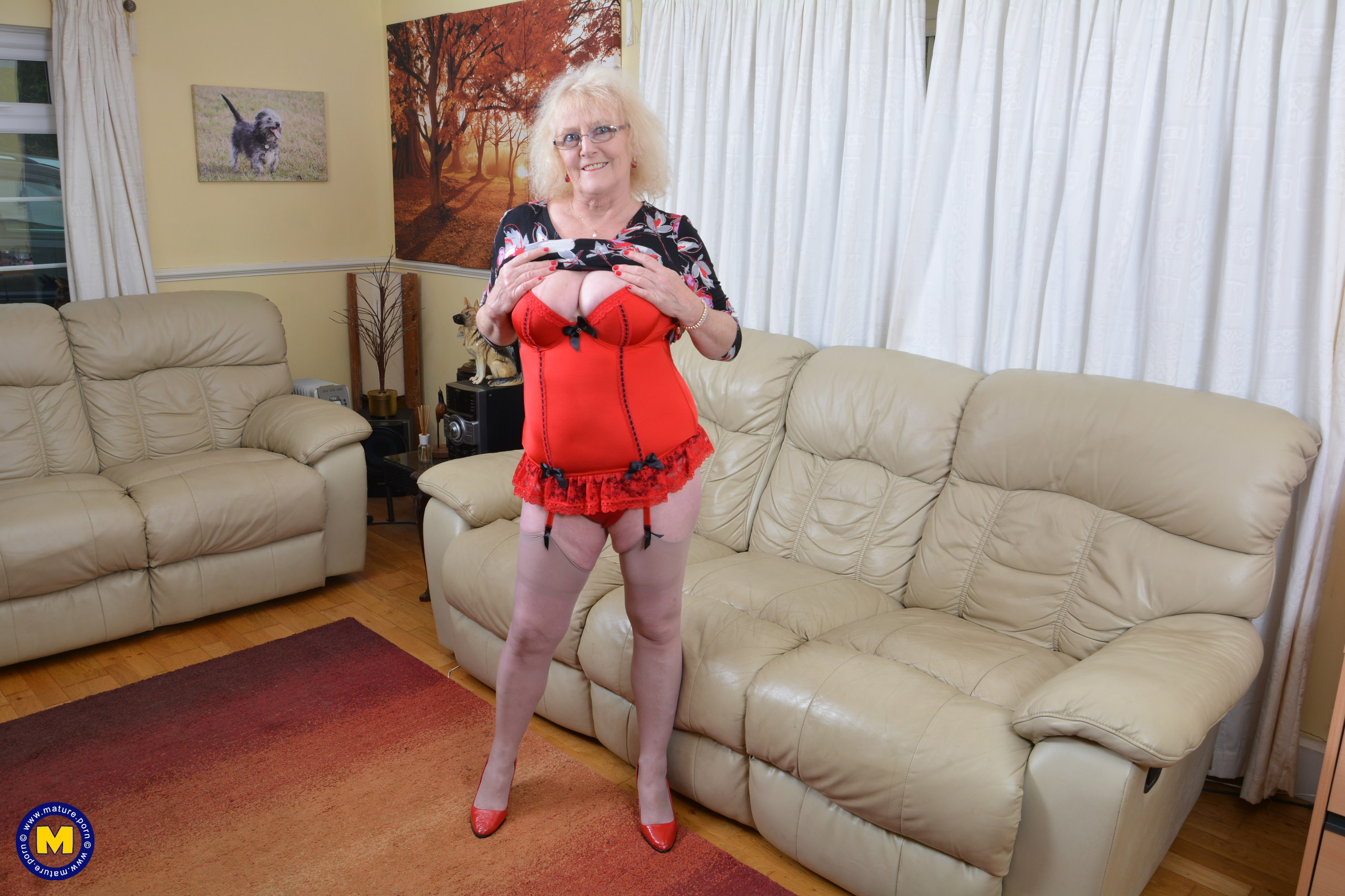 Kinky Brit mature damsel getting humid on her sofa