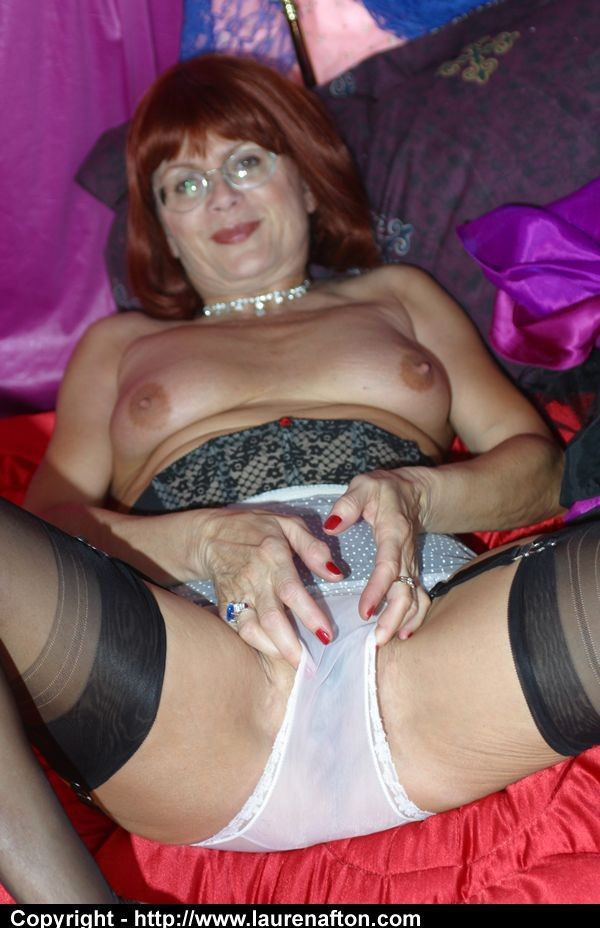 Filthy grandma in stockings