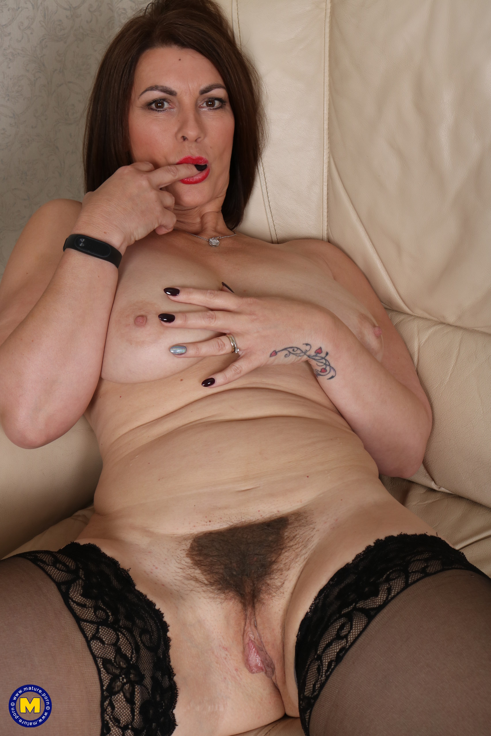 Unshaved British MOTHER getting highly nasty