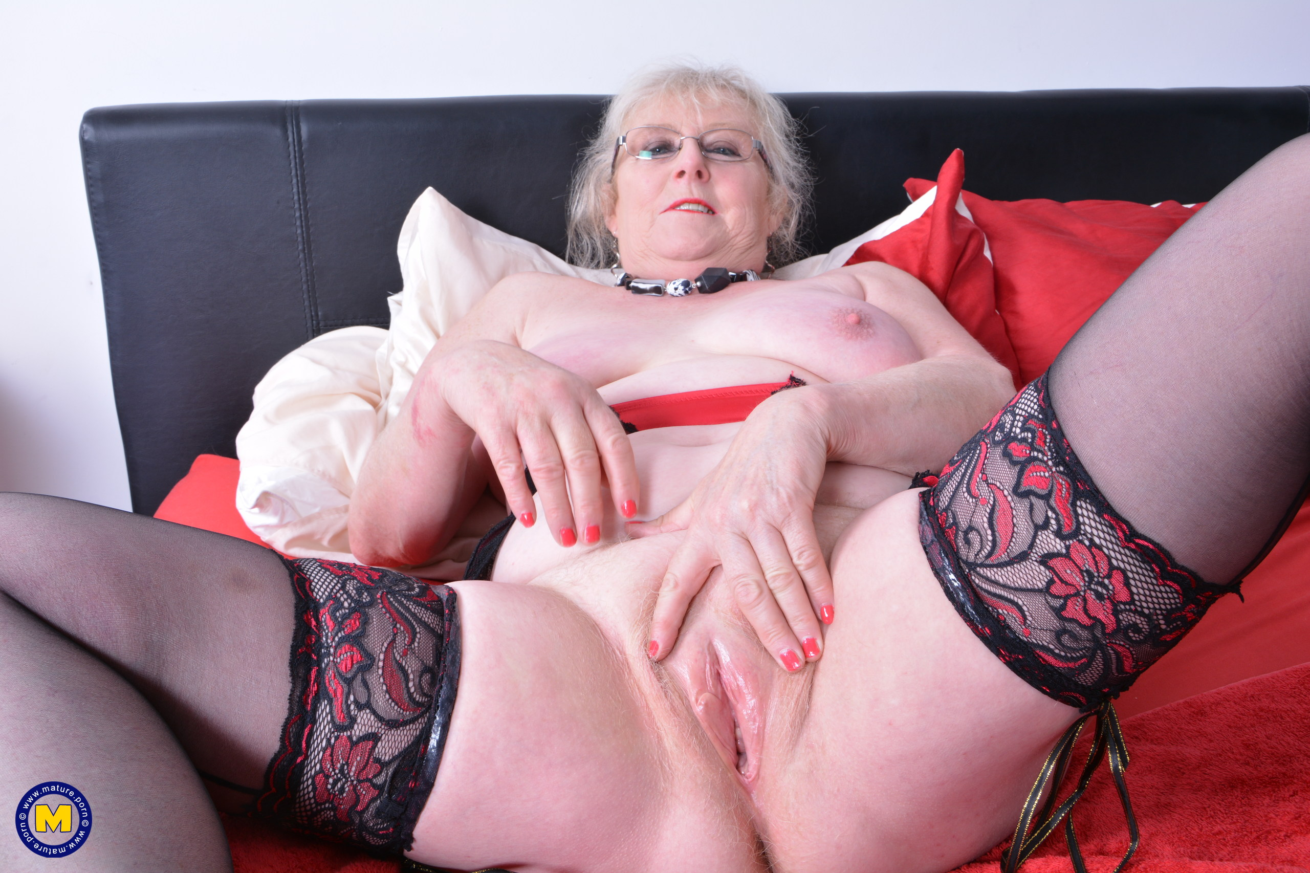 Brit plump mature nymph frolicking with herself
