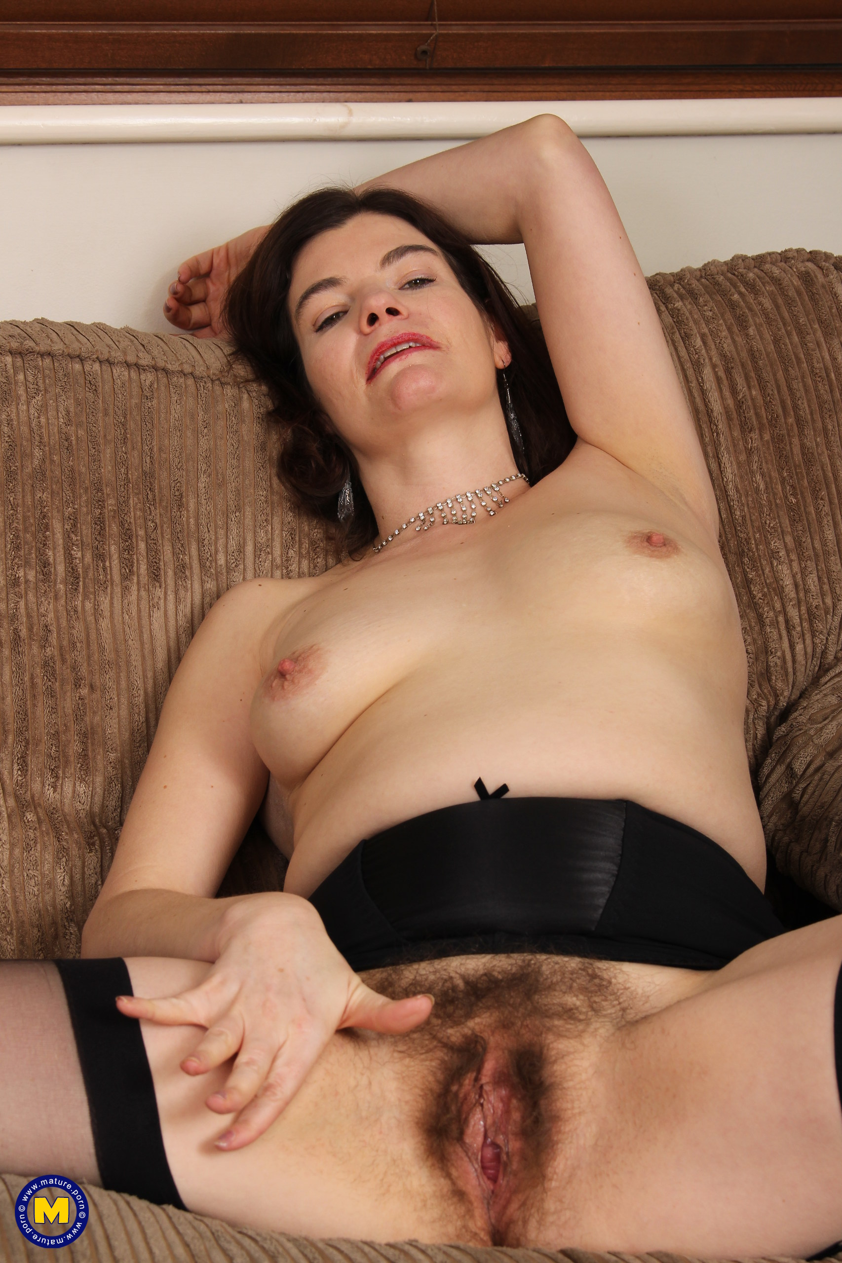 Furry Brit housewife toying with her honeypot