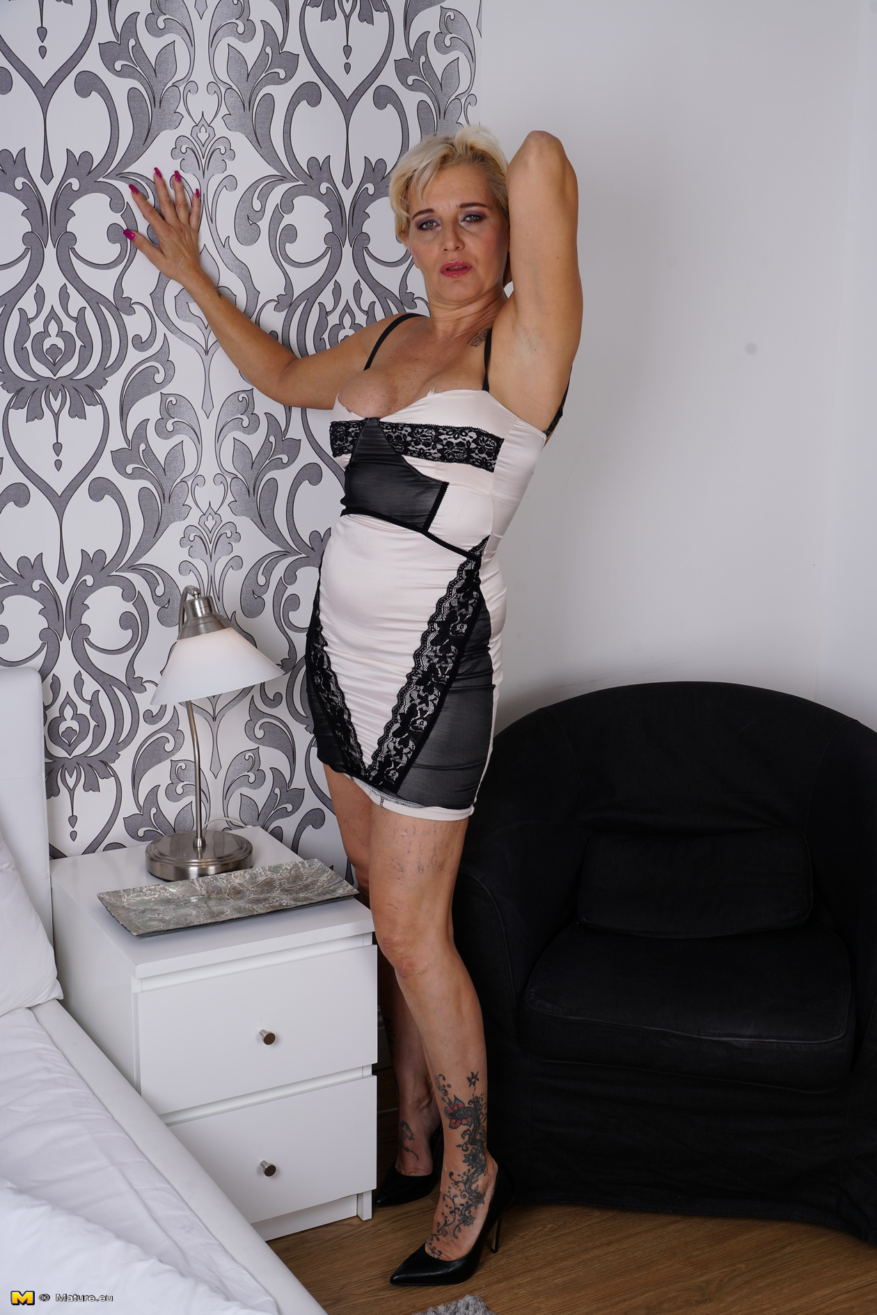 Mischievous housewife getting additional raw under the bathroom