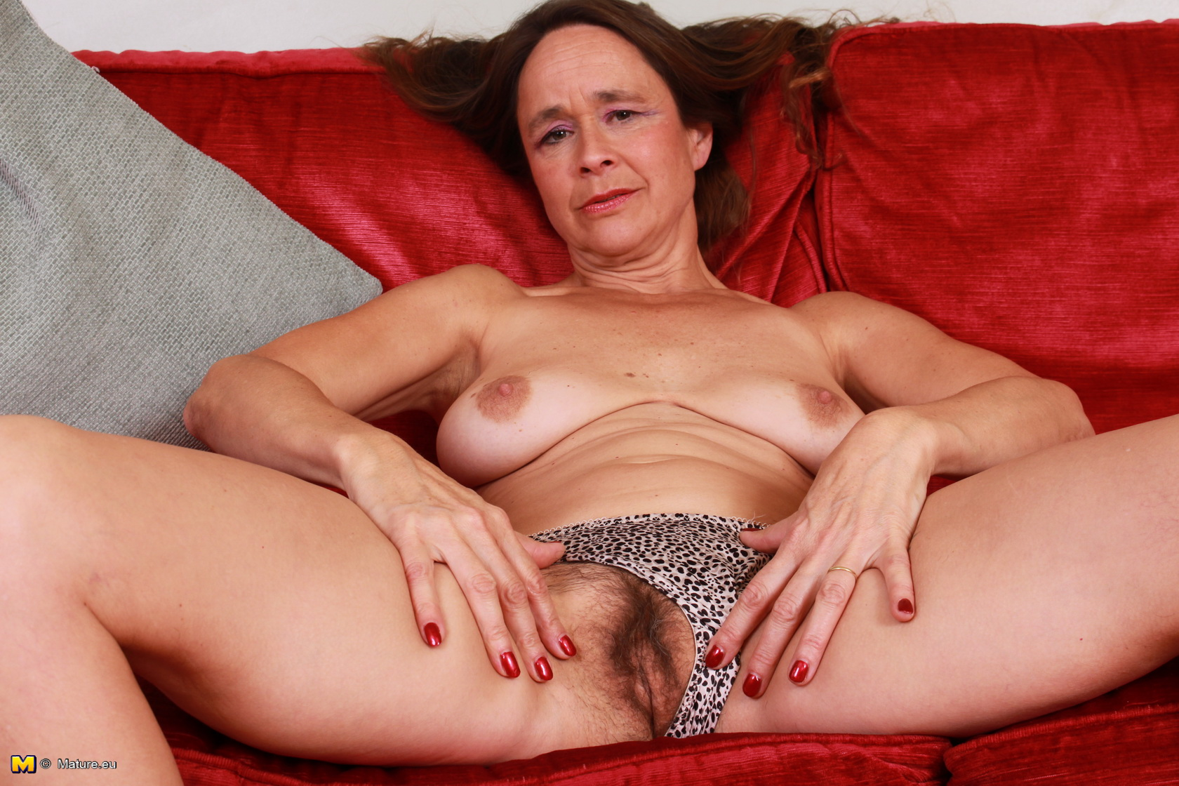 Unshaved British housewife frolicking with herself